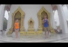 Tunes From Thailand Video 1 – Little Darlin' (Bangkok, Thailand)
